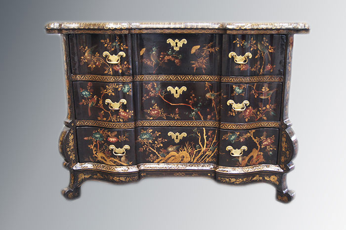Commode en laque Japonaise